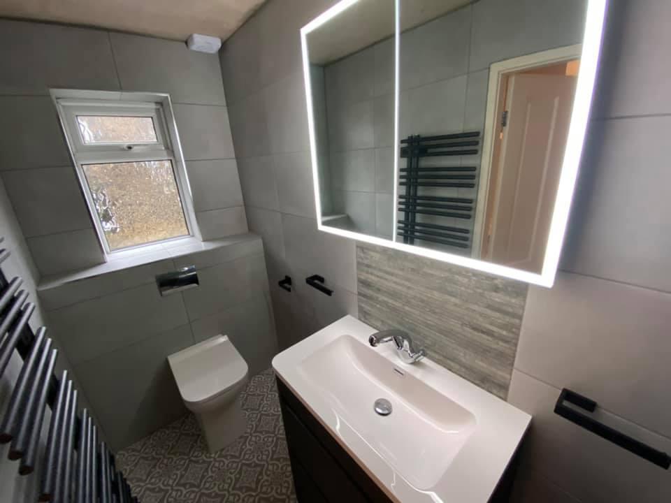 en-suite bathroom fitters and builders Horsforth