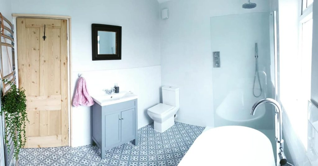 Modern bathroom fitter Guiseley